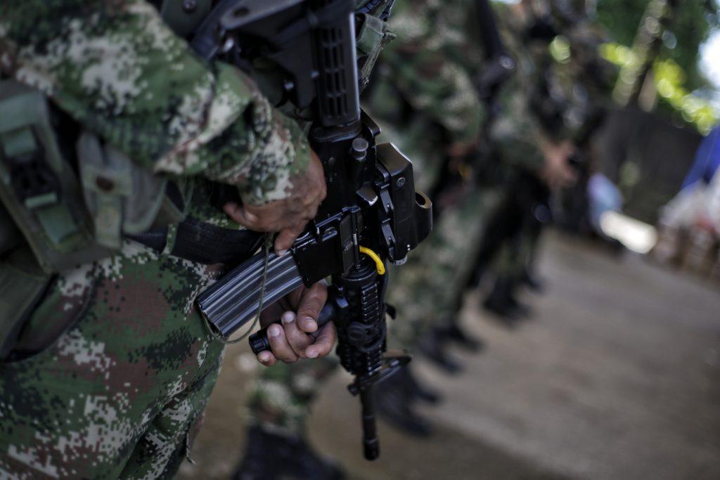 A investigación general González por presunto abuso sexual a teniente - Noticias de Colombia